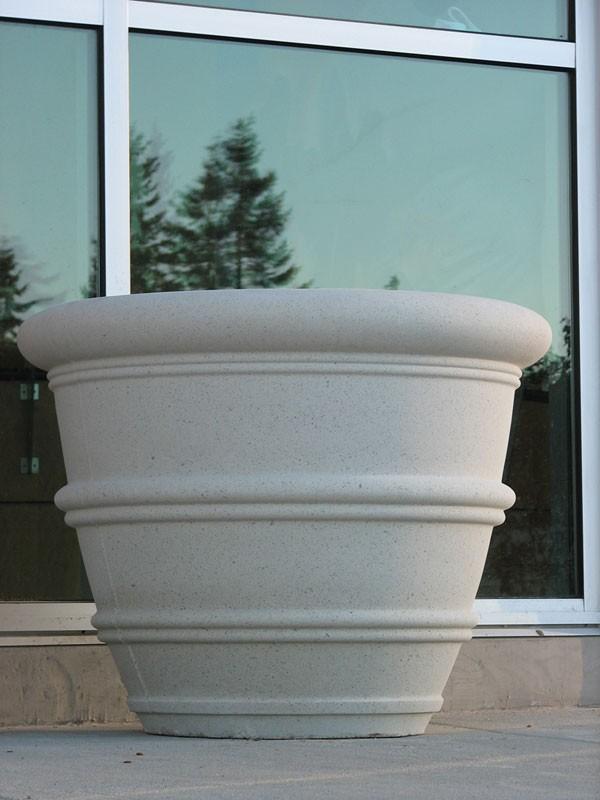 Nichols Bros Dry Cast Sandstone Planters Amp Fountains
