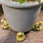 Frog Pot Feet Wb